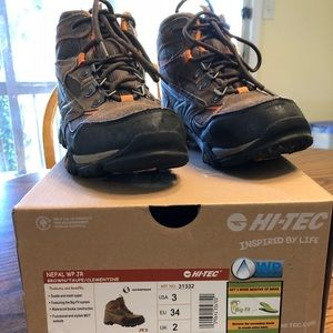 Hi-Tec Nepal Jr hiking boots, youth size 3